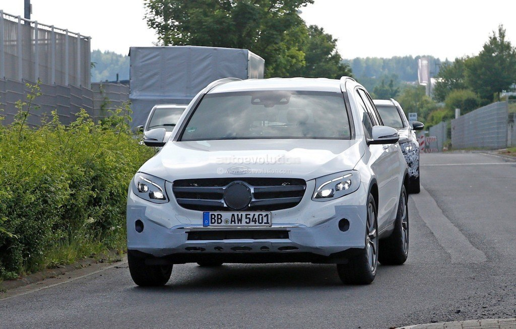 2016-mercedes-benz-glc-spied-completely-exposed-official-debut-is-tomorrow-photo-gallery_1
