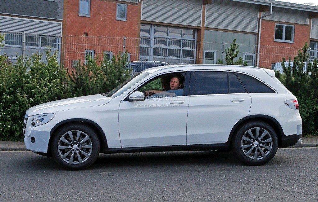 2016-mercedes-benz-glc-spied-completely-exposed-official-debut-is-tomorrow-photo-gallery_5