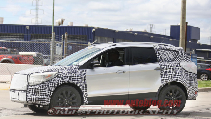 2017-ford-escape-spy-shots-008-1
