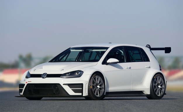 2016-Volkswagen-Golf-TCR-03-626x382