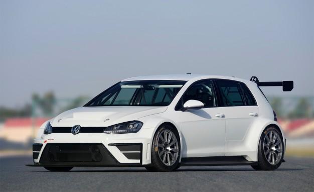 2016-Volkswagen-Golf-TCR-03-626x382