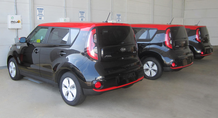 Kia-Soul-EV-wireless-charging-0