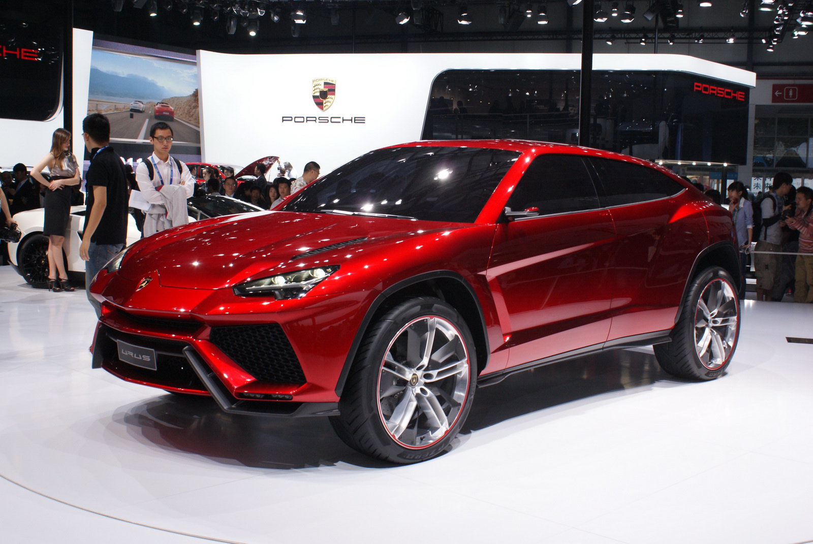 Lamborghini-Urus-Concept-2