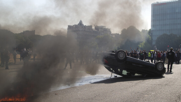 france-taxi-strike-1 (1)