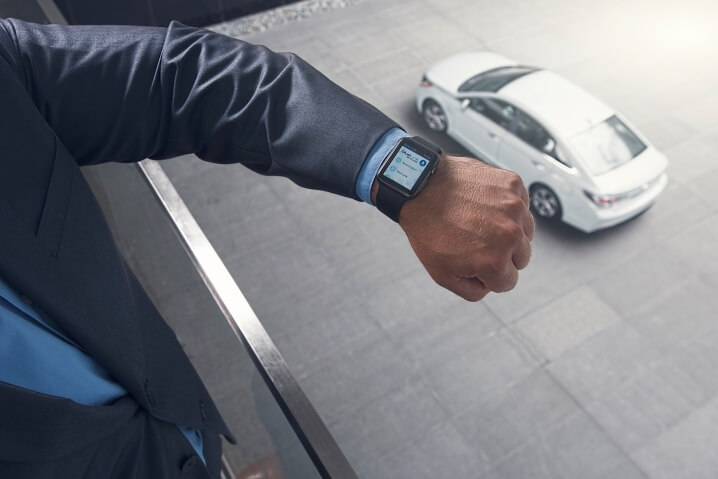 hyundai-motor-introduces-blue-link-app-for-the-apple-watch-photo-gallery_3