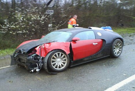 Bugatti Veyron distrus